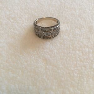 Jewelry - CUTE Sterling silver ring with hearts, CZs